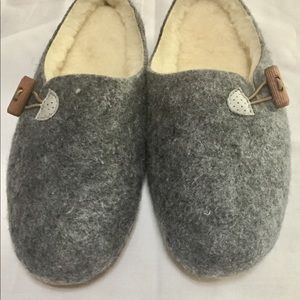 Shoes - NWOT Felted Slippers